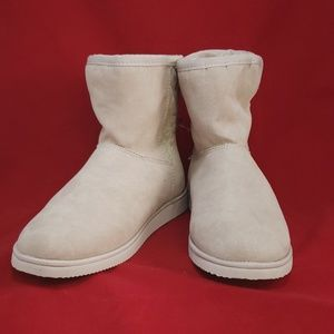 🆕️Winter Boots by Old Navy Ladies Sz 8